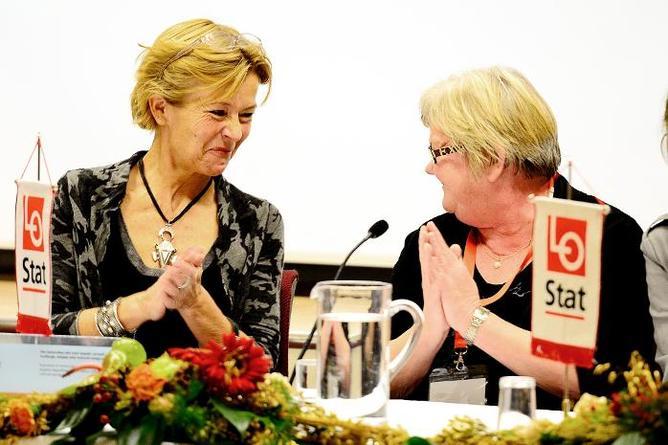 Liv Tørres generalsekretær i Norsk Folkehjelp og leder Tone Rønoldtangen i LO Stat