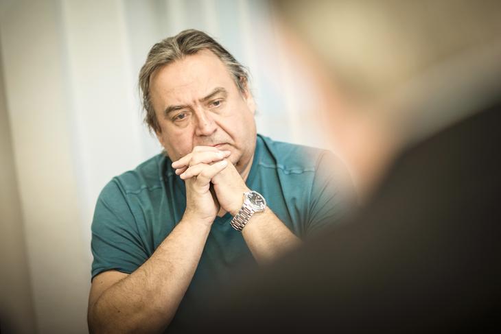 - Fagmiljøer må bestemme lokførernes utdanning. Ikke direktører og økonomer, sier Rolf Ringdal, forbundsleder i Norsk Lokomotivmannsforbund