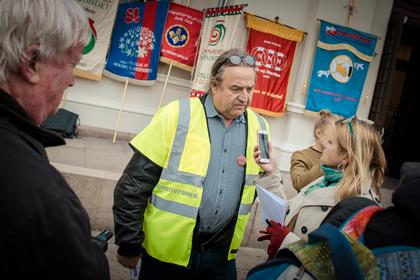 - Vi ønsker ikke å øke presset i Østlands-området, og tar ut seks NSB-lokførere i Kristiansand, sier Rolf Ringdal, forbundsleder i Norsk Lokomotivmannsforbund.