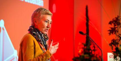 LOs 1. nestleder, Peggy Hessen Følsvik, bruker USA som et skrekkeksempel på hva som kan skje når fagbevegelsen svekkes.