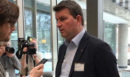 Det ble ikke mulig å komme fram til en løsning i forhandlingene for LOs leder Hans-Christian Gabrielsen. Nå blir det mekling og fare for busstreik.