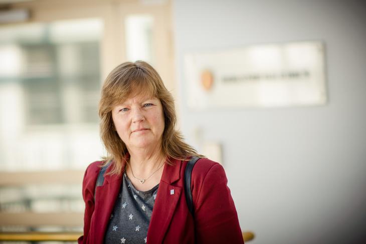 JA I NRK: - Medlemmene har vist ansvarlighet, og stemt for et anbefalt resultat. Det var ingen selvfølge, slik som årets lønnsoppgjør i NRK utviklet seg, poengterer Lise Olsen, forhandlingsleder for meklingen og nestleder i LO Stat.