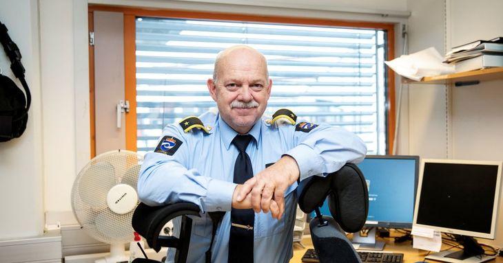 Bjørn Johnsen har det operative ansvaret for Bergen fengsel om kvelden, natta og i helgene. – Det er en belastning å jobbe turnus. Jeg får et kortere liv, viser forskning. Det er smålig at ikke all lønn er pensjonsgivende, sier han.