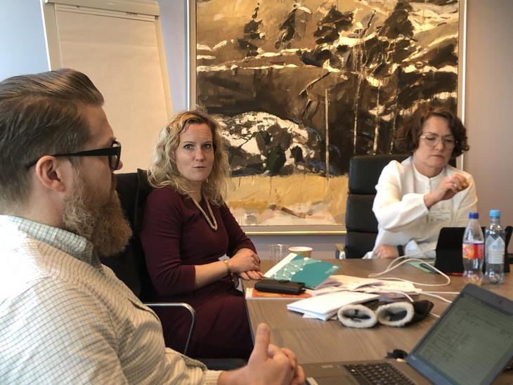 Brøt pensjonsforhandlinger etter få timer: (Fra venstre) Kai Nygård og Tone Faugli fra Fagforbundets forhandlingsenhet og forhandlingsleder for LO Stat og nestleder i Fagforbundet, Sissel M. Skoghaug.