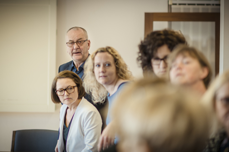 TRAPPER OPP STREIKEN: LO Stats forhandlingsleder Øystein Gudbrands med Fagforbundets nestleder Sissel M. Skoghaug (t.v) og Tone Faugli, leder av Fagforbundets forhandlingsenhet.