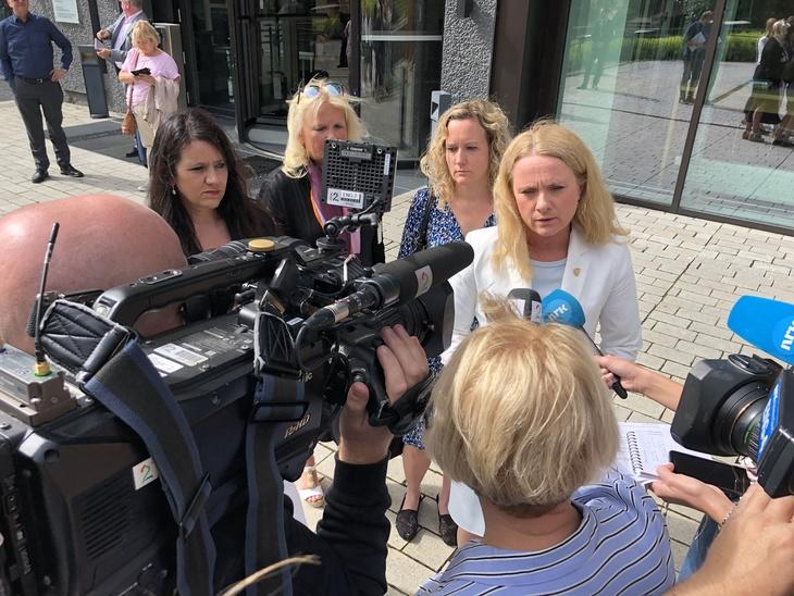 STOPPET STREIKEN: Arbeidsminister Anniken Hauglie stoppet 23. juni streiken for pensjon til alle i sykehusene. I dag kom kjennelsen fra Rikslønnsnemda. Resultatet er full seier til de streikende.