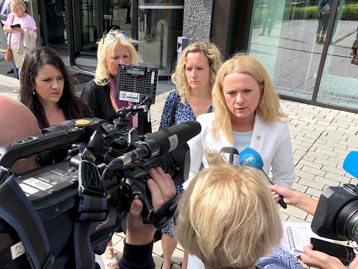 LØNNSNEMD: Arbeidsminister Anniken Hauglie varslet 23. juni tvungen lønnsnemd i streiken for pensjon til alle i sykehusene.