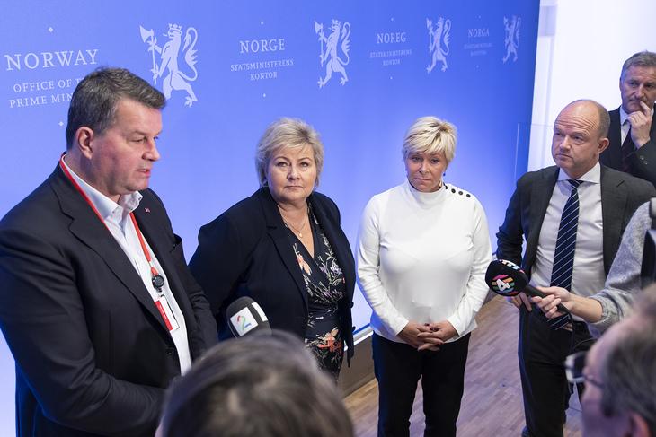 LO-leder Hans-Christian Gabrielsen, statsminister Erna Solberg, finansminister Siv Jensen og NHO-sjef Ole Erik Almlid er representanter for den norske samfunnsmodellen.