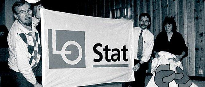 HISTORISK:. 1. januar 1996 skiftet Statstjenestemannskartellet navn til LO Stat. Her en markering med LO-leder Yngve Hågensen og LO Stat-leder Terje Moe Gustavsen og LO Stat-sekretær Randi H.M. Stangeland (senere gift Olwero) Foto: LO Media / Arbark