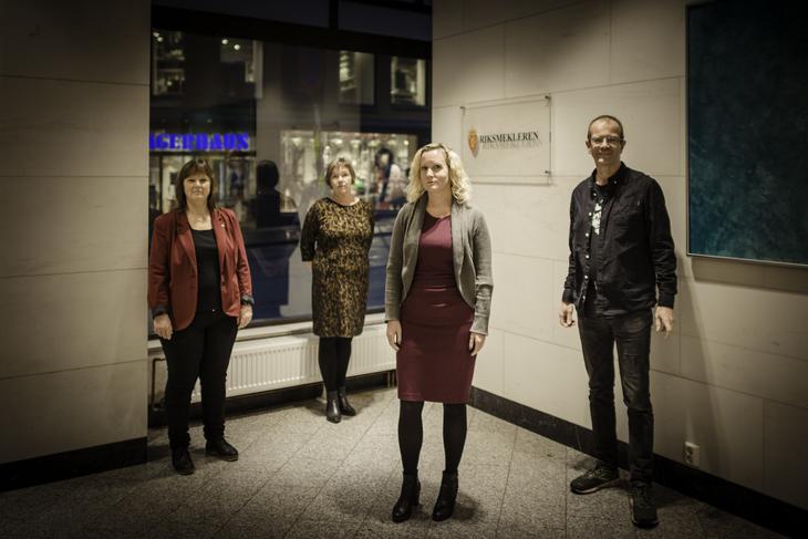 MEKLING: Her er forhandlerne som sikret hybridpensjon i Norlandia. Fra venstre: Nestleder i LO Stat Lise Olsen, LO Stat-sekretær Sissel Hallem, Fagforbundets Tone Faugli og Steinar Fuglevaag.