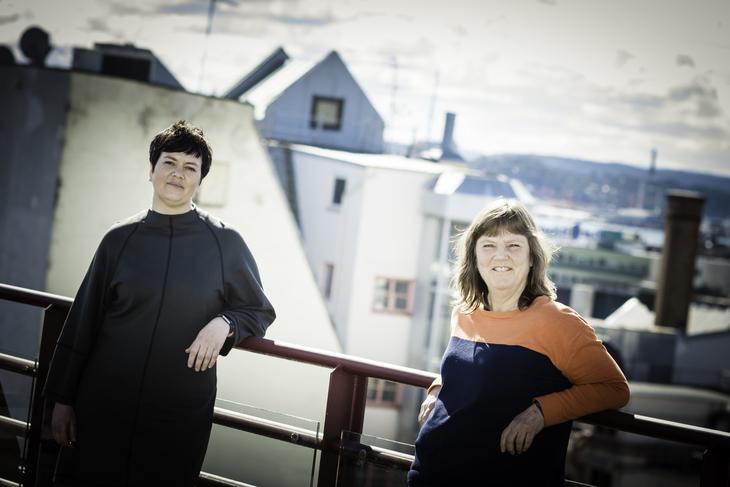 SPEKTER-START: LO Stats nestledere Lise Olsen (t.h.) og Henriette Jevnaker er klare for lønnsforhandlinger i Spekter-området.