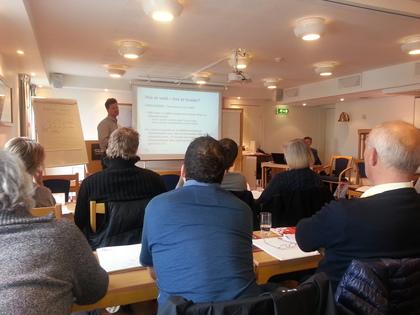Håvard Nordbø foredrar om hva er vold og hva er trusler...