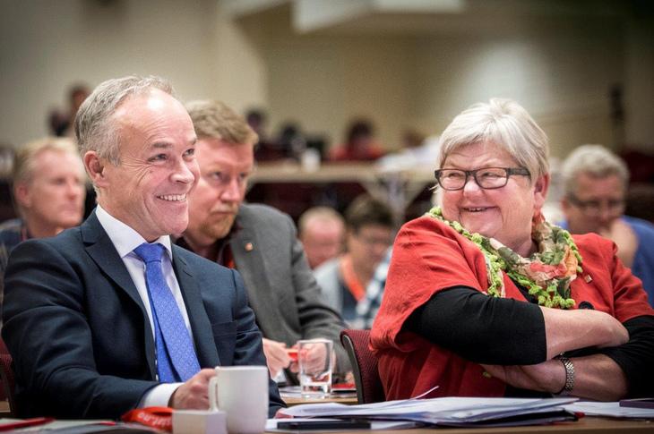Kommunal- og moderniseringsminister Jan Tore Sanner  Jan Tore Sanner (H) og LO Stats leder Tone Rønoldtangen. foto. Kristian Brustad