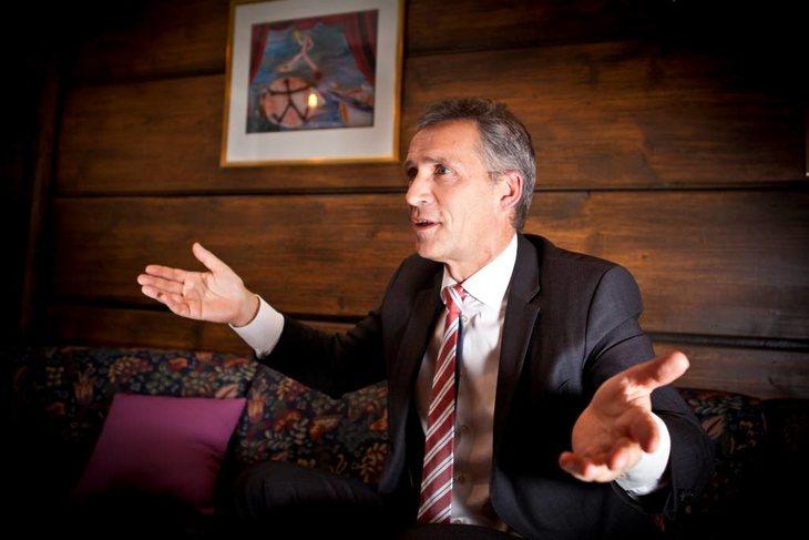 Jens Stoltenberg er med i Den globale økonomi- og klimakommisjonen. Det uavhengige utvalget skal fremme forslag overfor FN for å sikre både utslippskutt og fattigdomsreduksjon. Forslagene skal være med å danne grunnlaget for en ny internasjonal klimaavtal