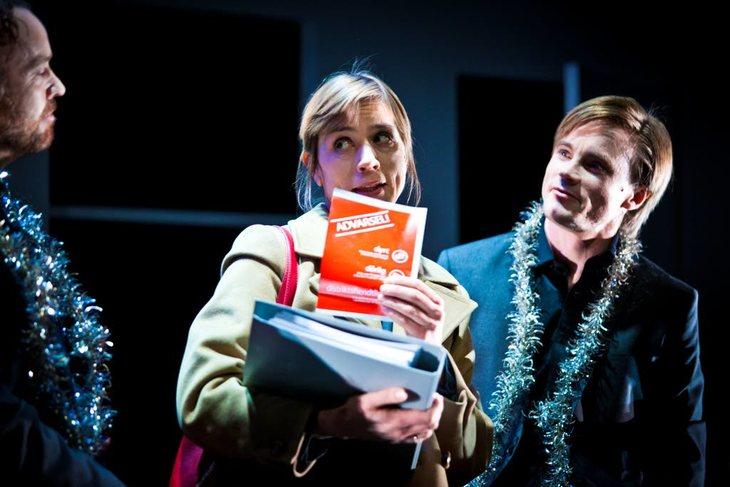 """Anne Ryg har rollen som kommunikasjonsrågiver Ellinor i Riksteatrets oppsetning av """"Leve Posthornet"""" Foto: Ole Palmstrøm"""