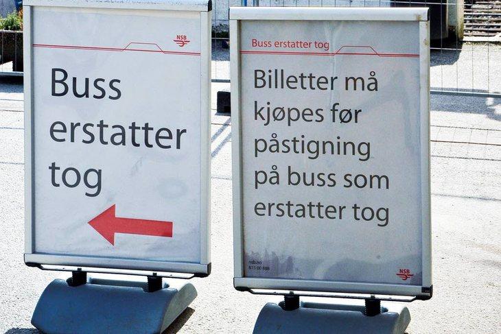 Norske selskaper må kvitte seg med busser fordi de taper i konkurransen med aktører som kutter kostnader på sjåførenes bekostning. Foto: Øystein Bråthen
