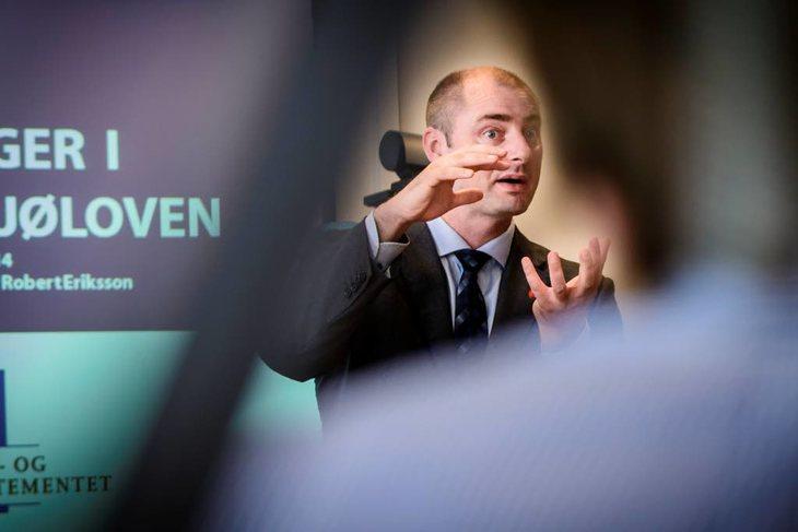 Arbeidsminister Robert Eriksson. Foto: Kristian Brustad