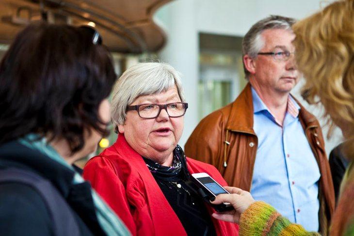 LITEN POTT: LO Stats leder Tone Rønoldtangen konstaterer at det blir lite å forhandle om i statsoppgjøret. Her blir hun intervjuet i forbindelse med innspurten i fjorårts oppgjør. Foto: Morten Hansen