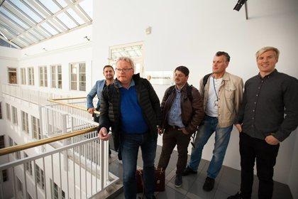 Forhandlingsutvalget med leder Tor Erik Granum i spissen. Bak f.v. Ørjan Kvalvåg, Morten Nilsen, Vidar Ekeberg og Philip Kjensmo. Foto: Morten Hansen